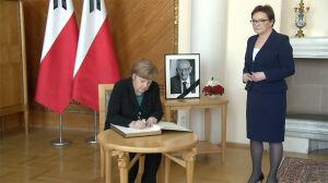 Merkel pożegnała Bartoszewskiego. Ostatnie słowa w księdze kondolencyjnej