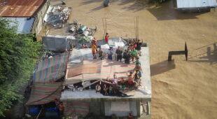 Krajobraz po przejściu tajfunu Vamco przez Filipiny (PAP/EPA)