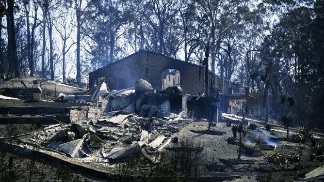 Musieli uciekać przed ogniem. <br />Płomienie strawiły wiele budynków