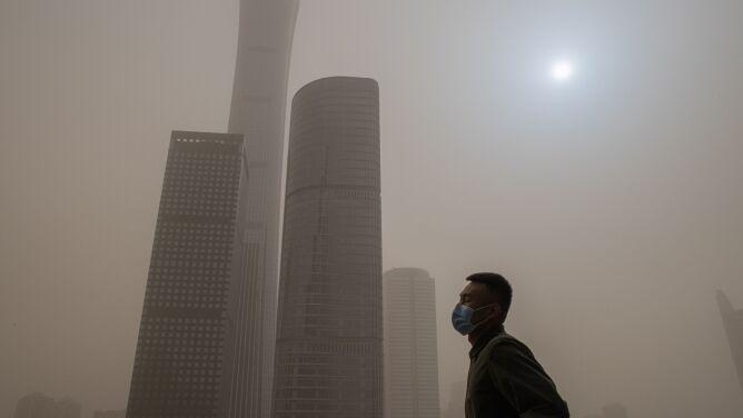 Pekin spowiła burza piaskowa